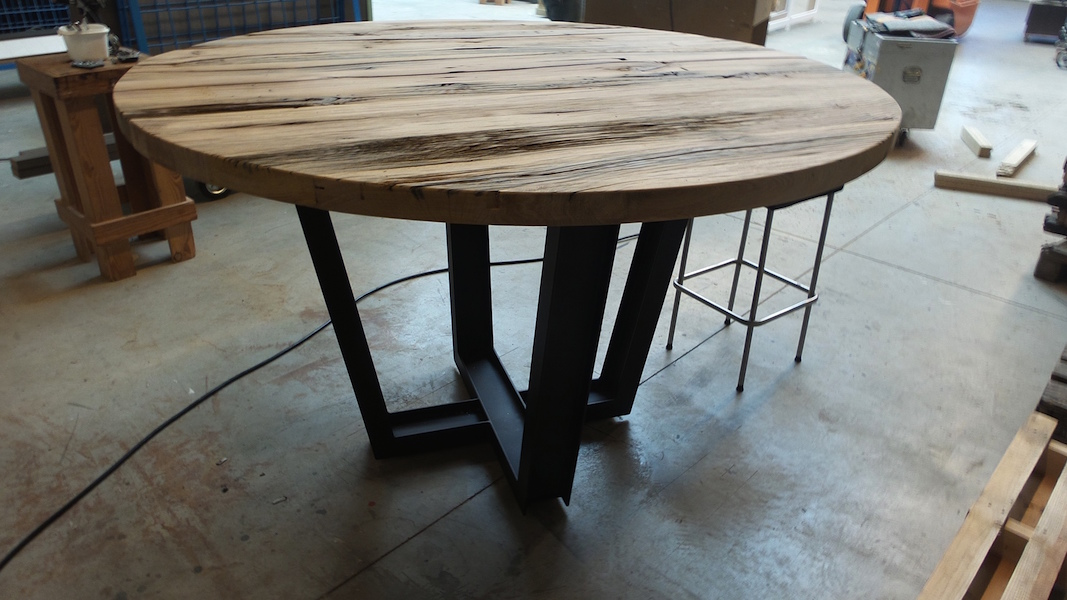 stalen-frame-ronde-tafel